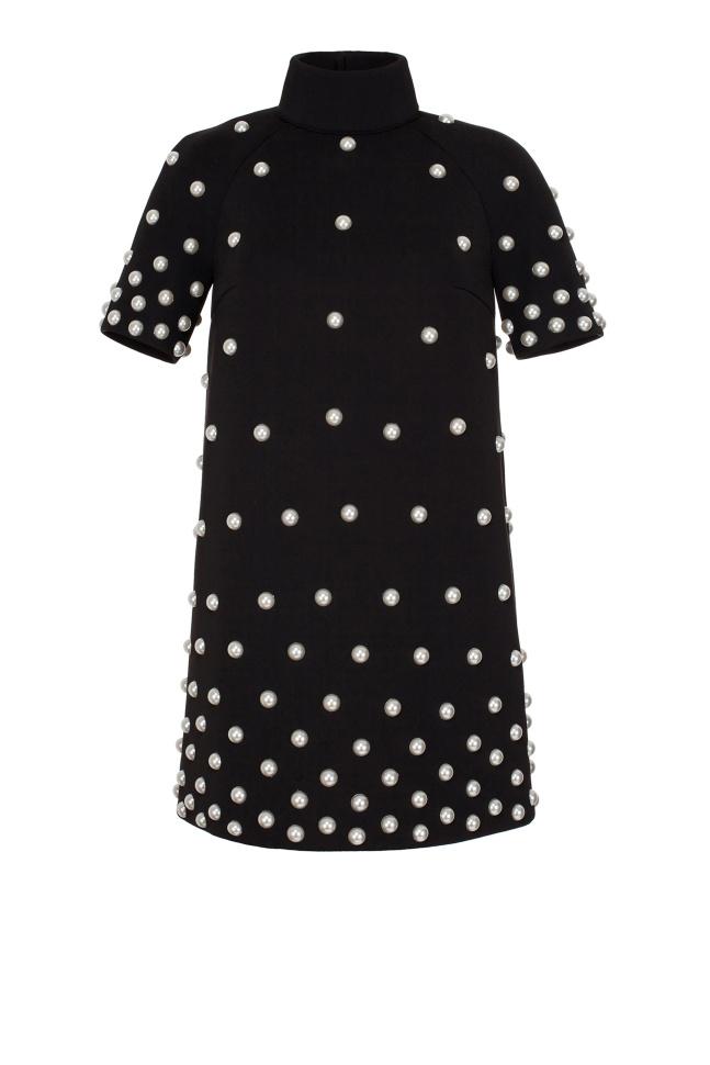 Черное платье с жемчугом фото